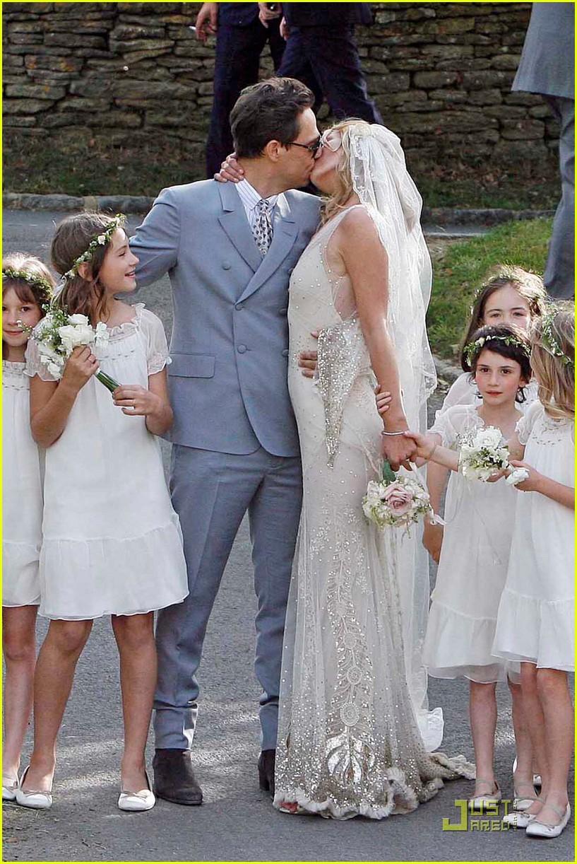 kate moss jamie hince wedding 02