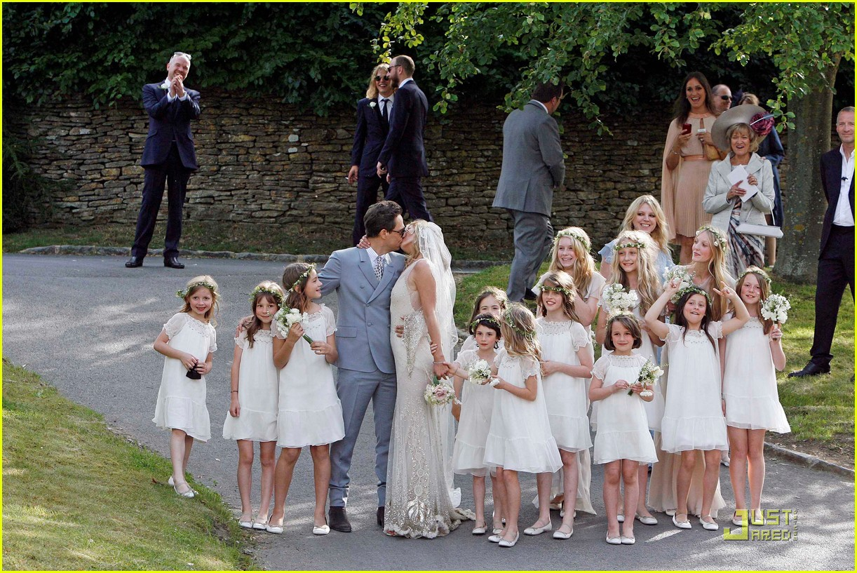 kate moss jamie hince wedding 042556907