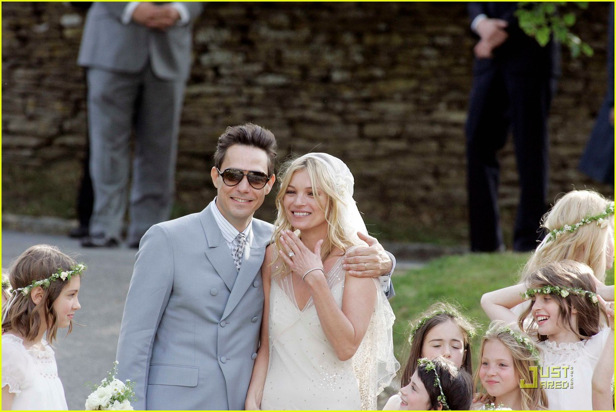 kate moss jamie hince wedding 09