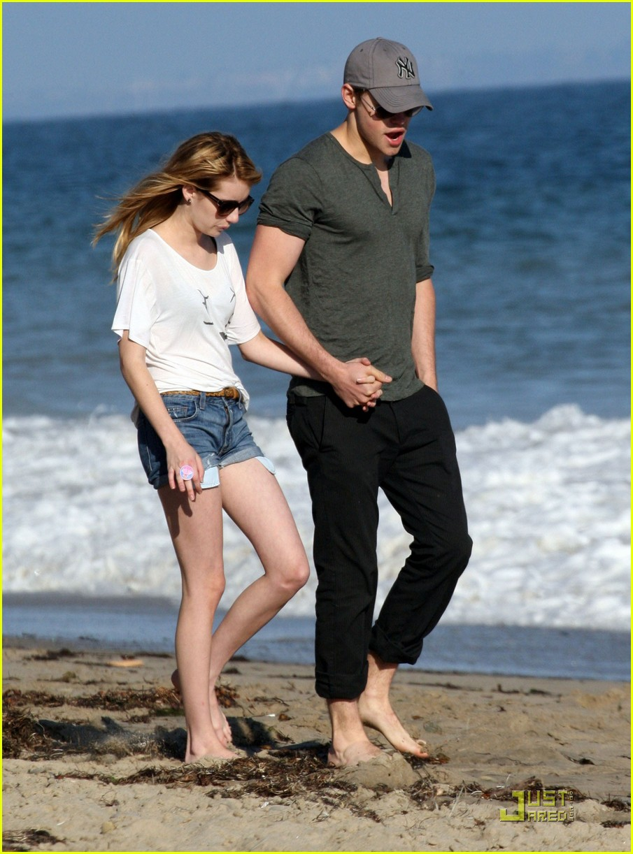 chord overstreet emma roberts holding hands on the beach 07