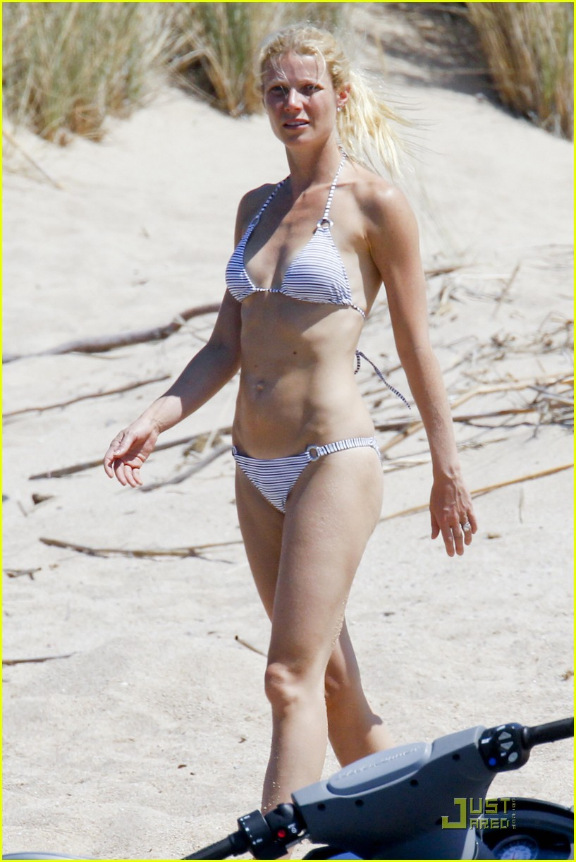 gwyneth paltrow bikini babe with apple moses 05