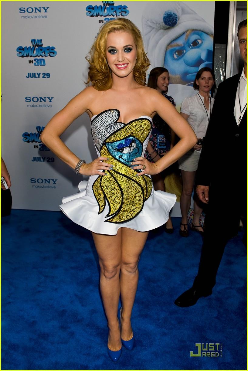 katy perry smurfette dress at smurfs premiere 10