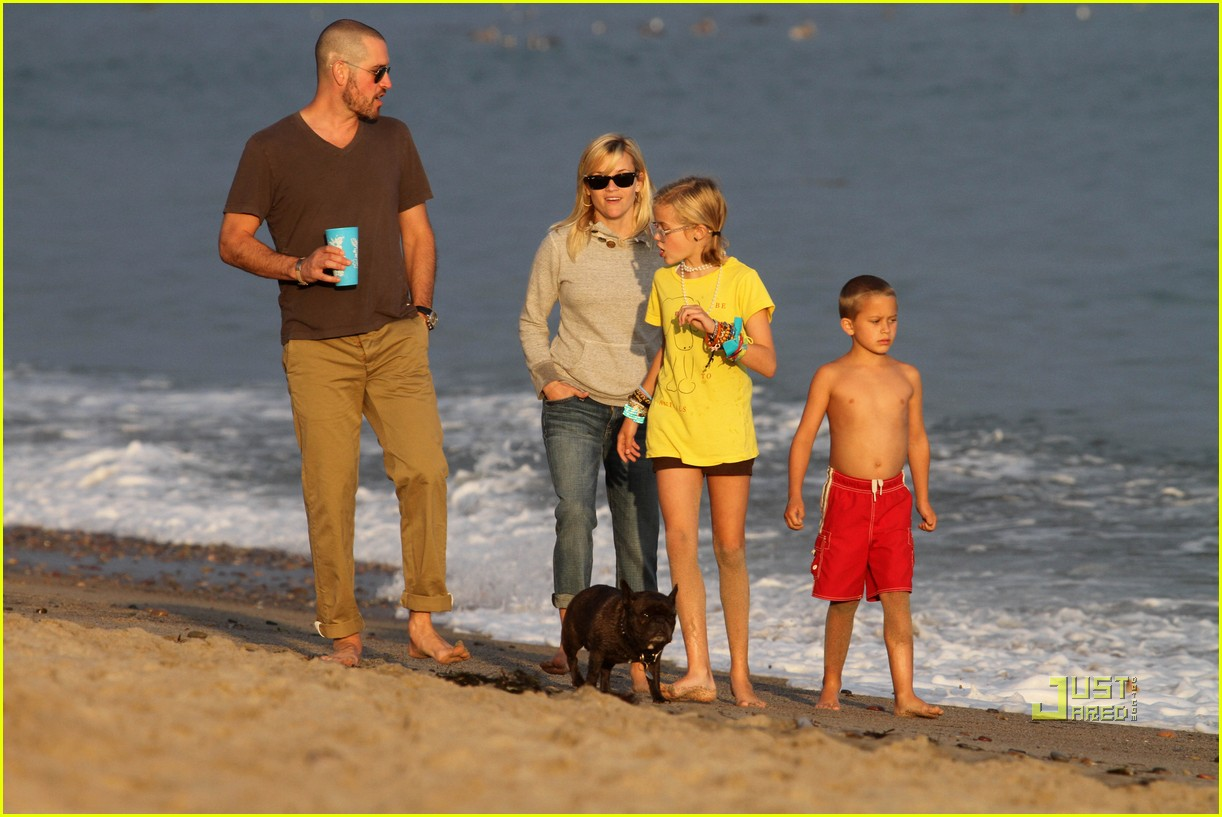reese witherspoon jim toth deacon ava beach 092557776