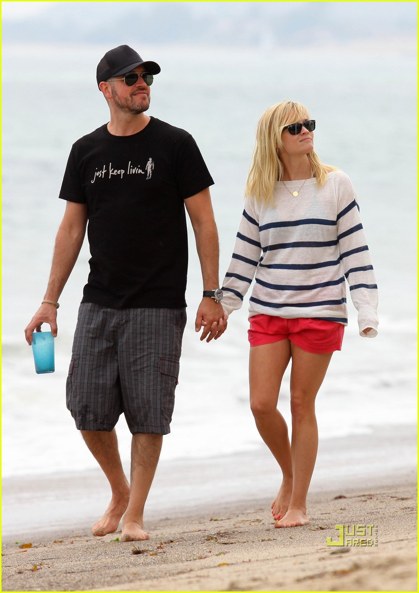 reese witherspoon jim toth deacon ava beach 15