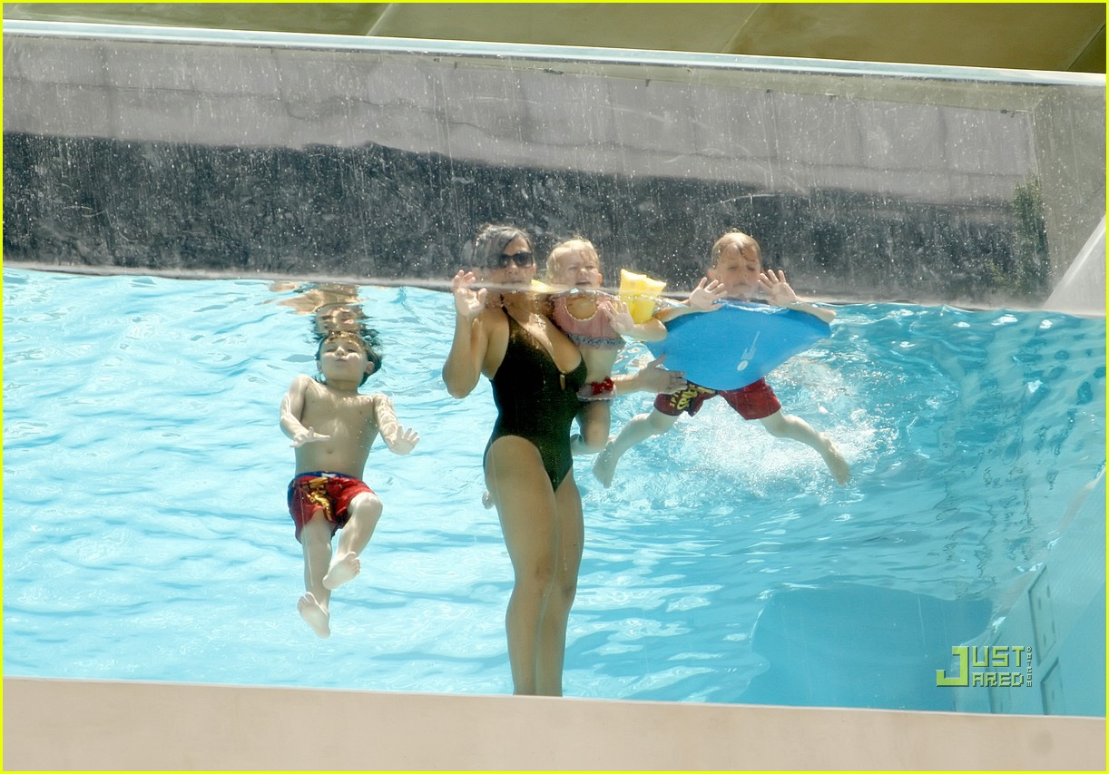lynne spears swimsuit grandkids sean preston jayden maddie 042560329