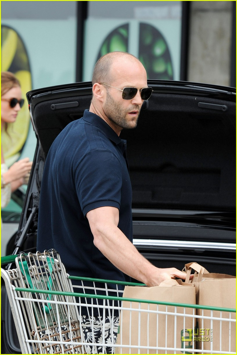 rosie huntington whiteley jason statham grocery shopping 04