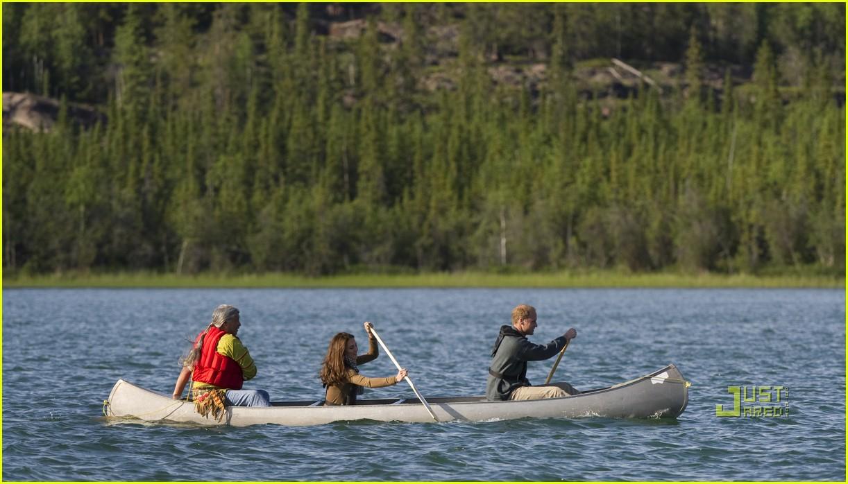 prince william kate middleton canoe 03