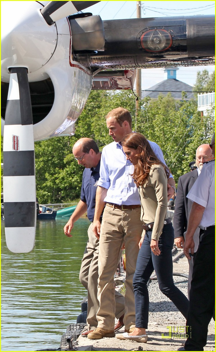 prince william kate middleton seaplane 02