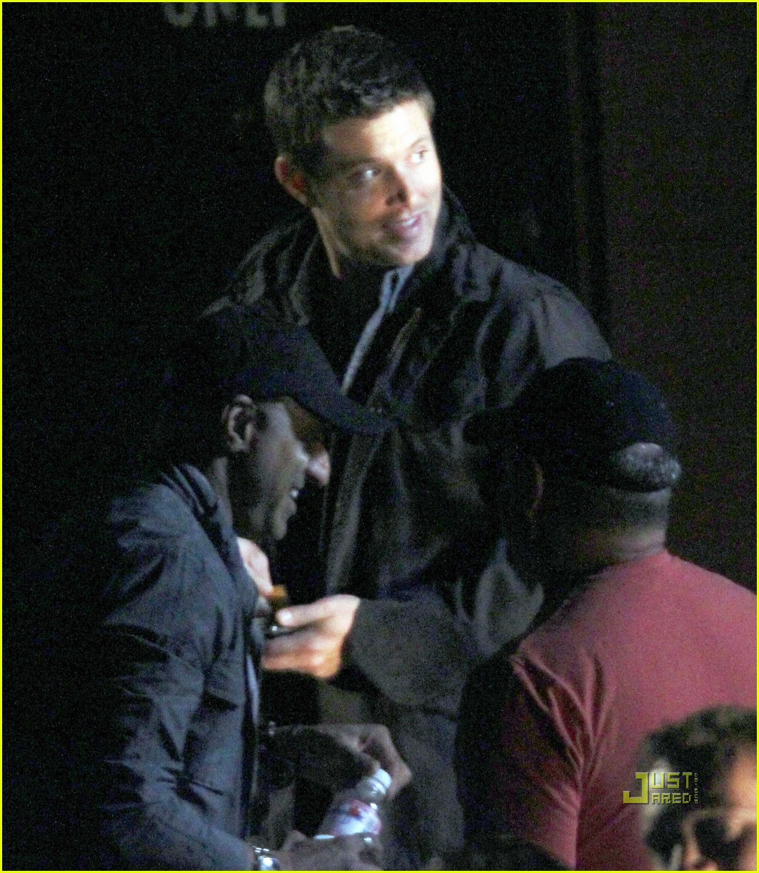 jared padalecki jensen ackles supernatural night shoot 04