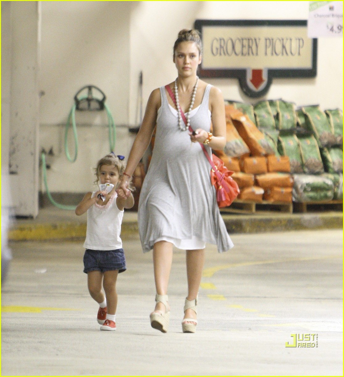 jessica alba honor whole foods 01