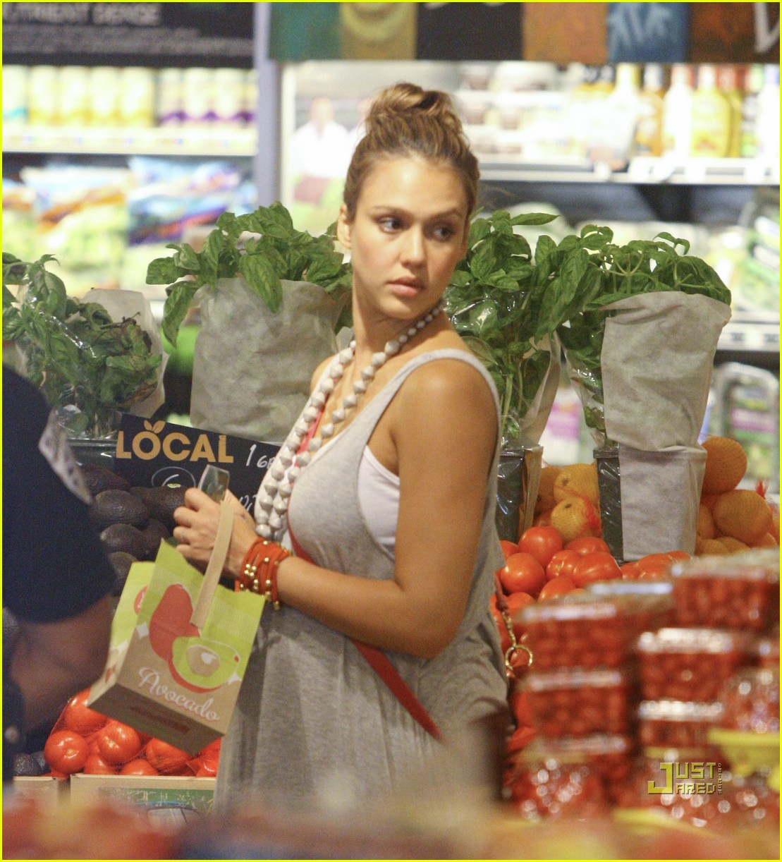 jessica alba honor whole foods 022566227