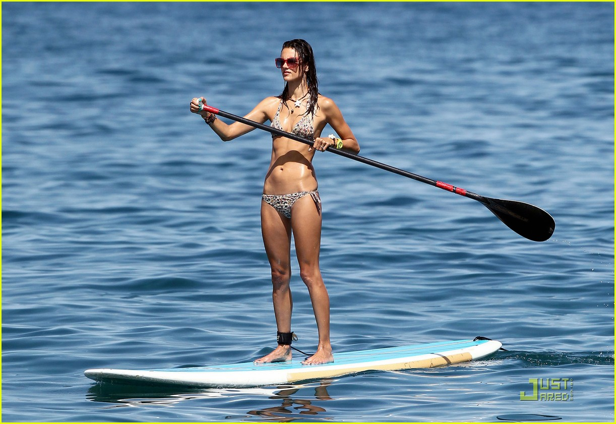 alessandra ambrosio hawaiian vacation with the family 10