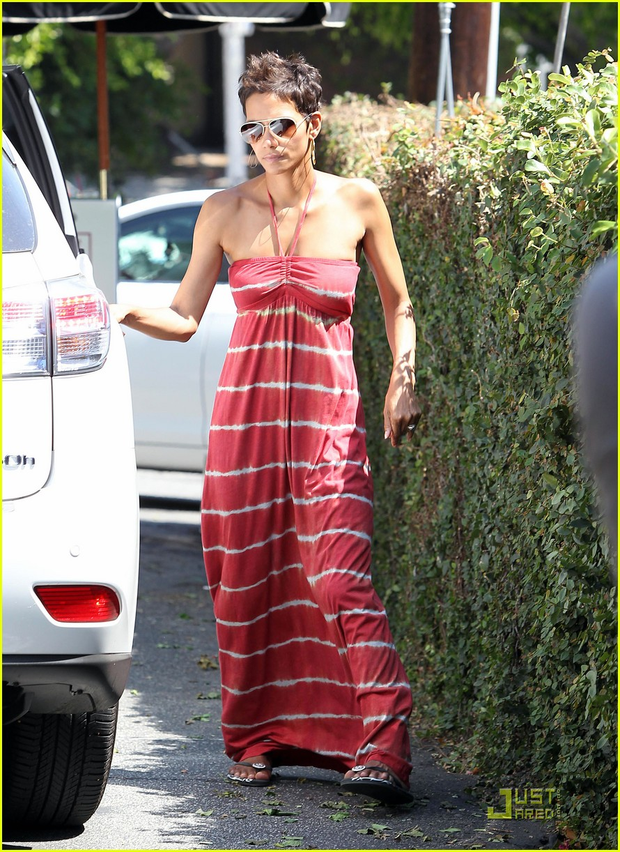 halle berry lunch olivier nahla 062569949