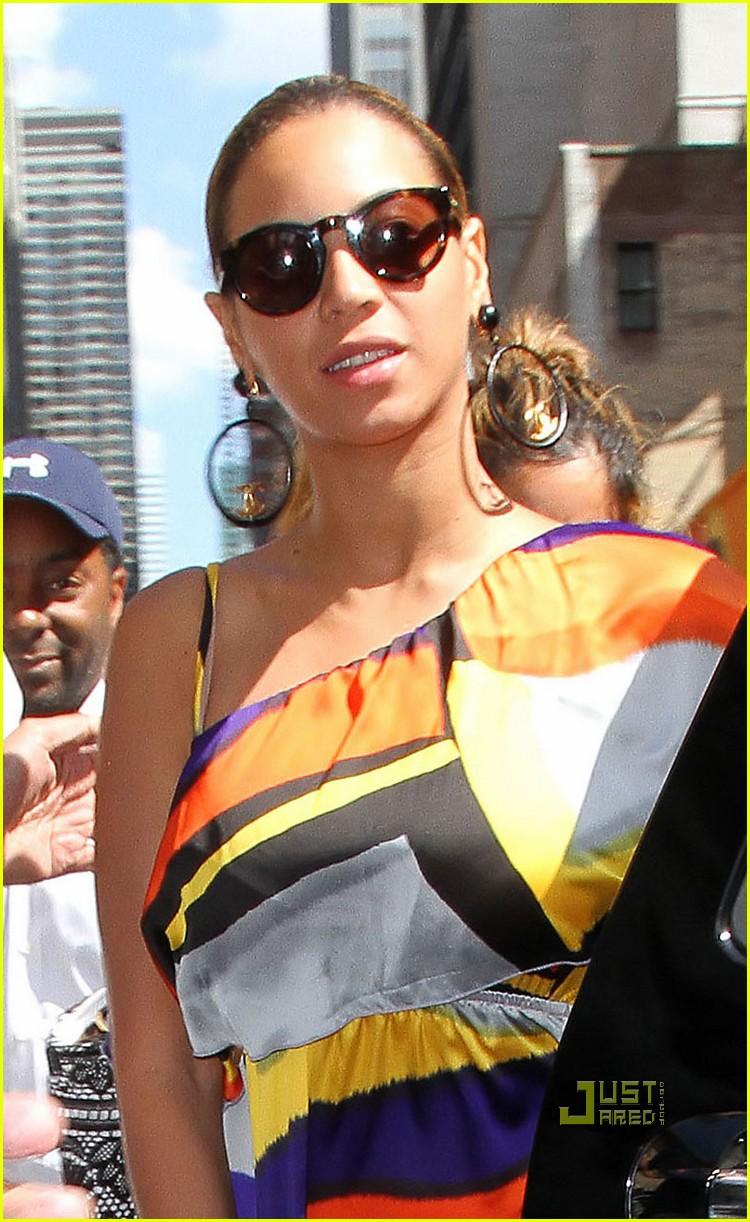 beyonce colorful dress nyc 042569208