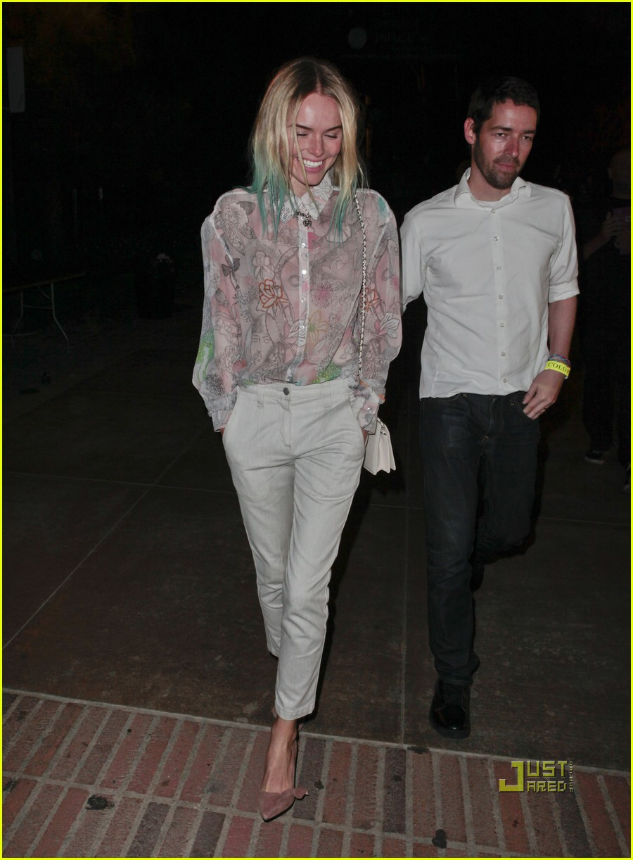 kate bosworth blue hair tips coldplay concert 01