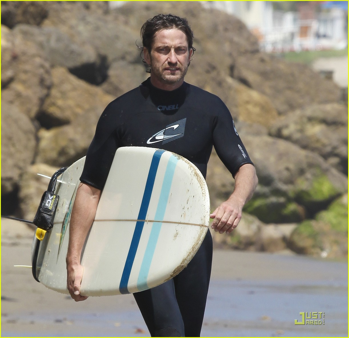 gerard butler surf coffee 252570175