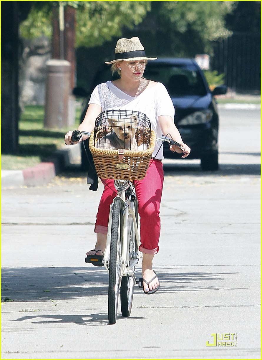 hilary duff mike bikes 082569922