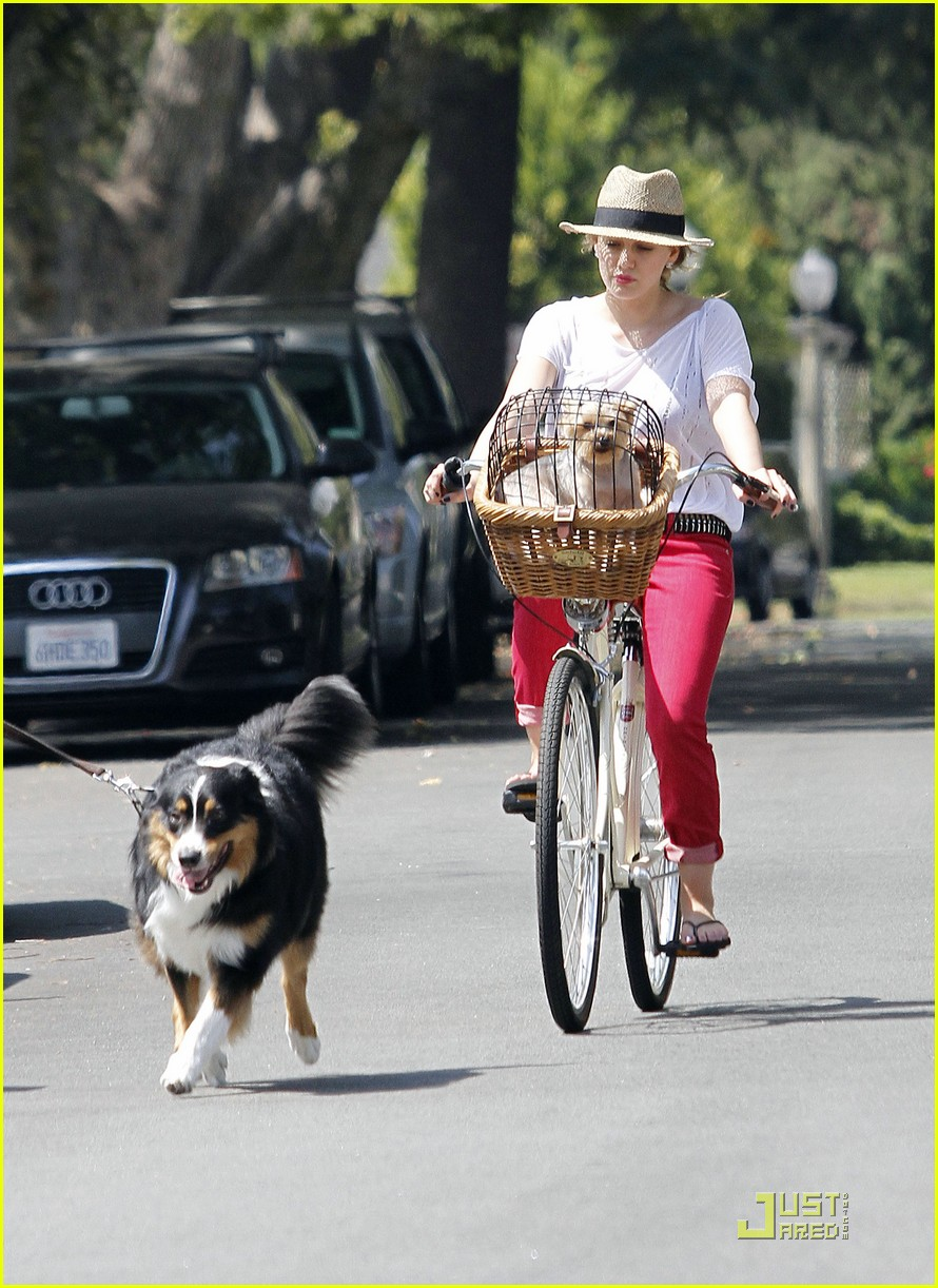 hilary duff mike bikes 11