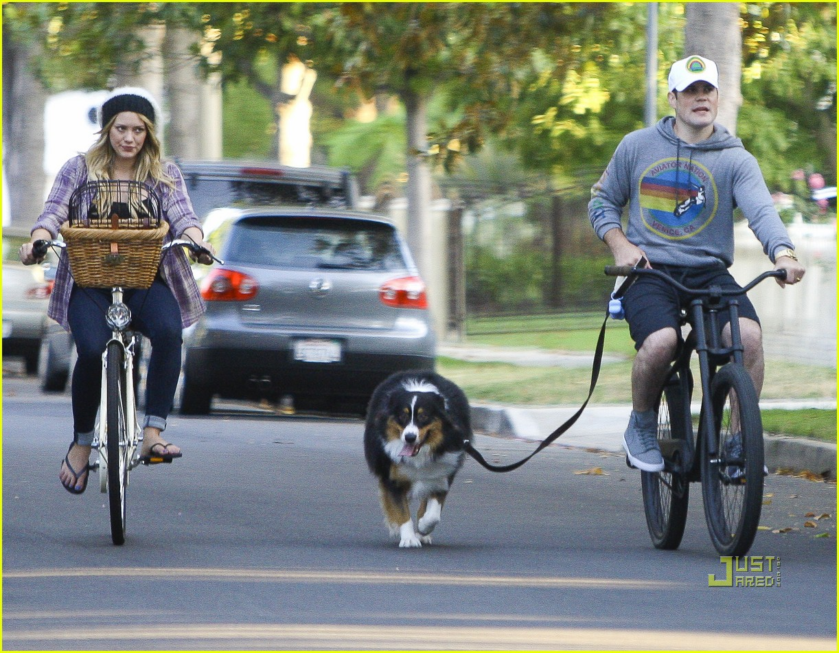 hilary duff bike 03