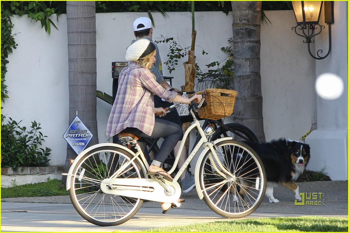hilary duff bike 092569297
