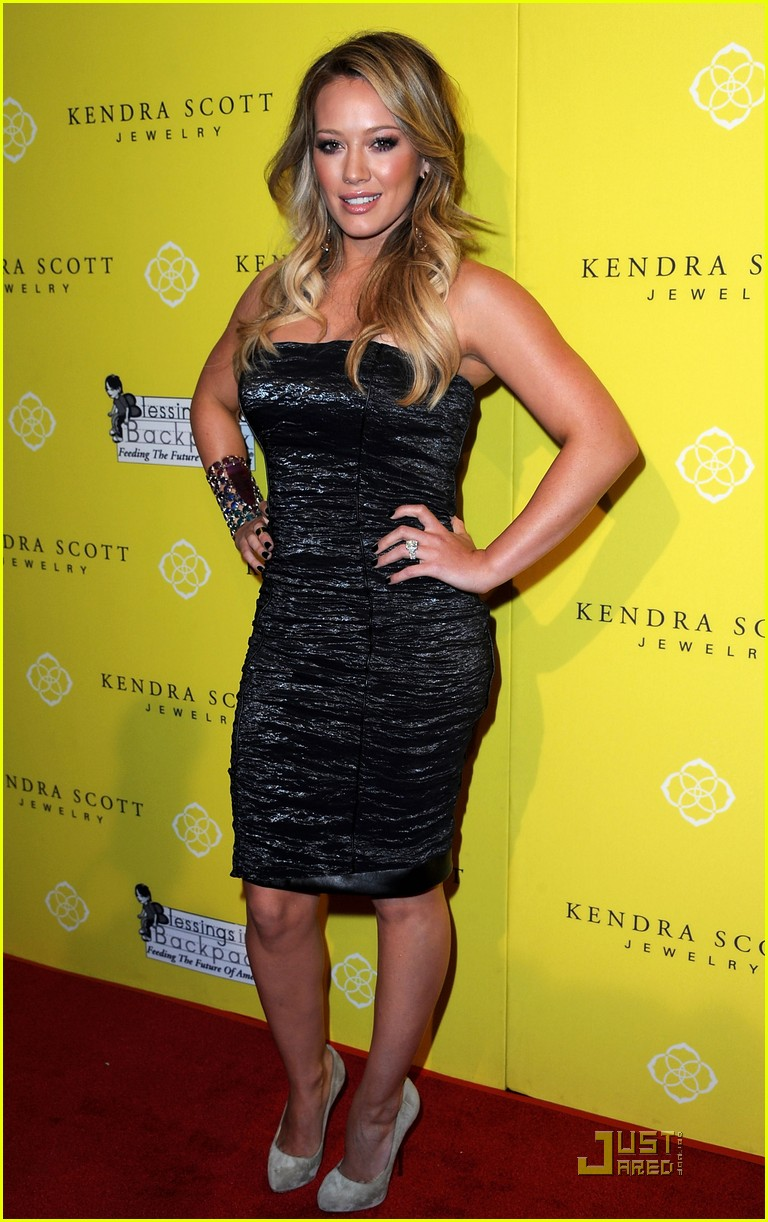 hilary duff kendra scott grand opening 04
