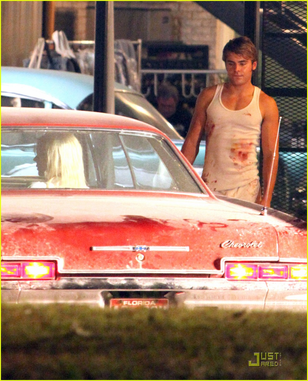 zac efron bloody underwear on paperboy set 06