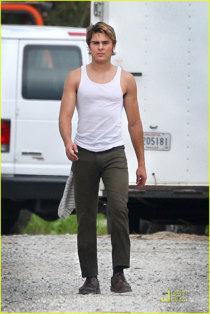 zac efron pumped up on paperboy set 01