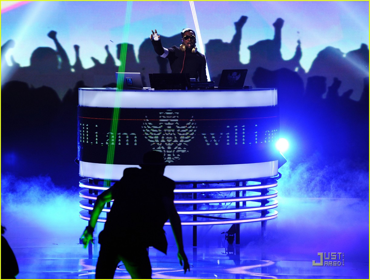 fergie teen choice awards with the black eyed peas 09