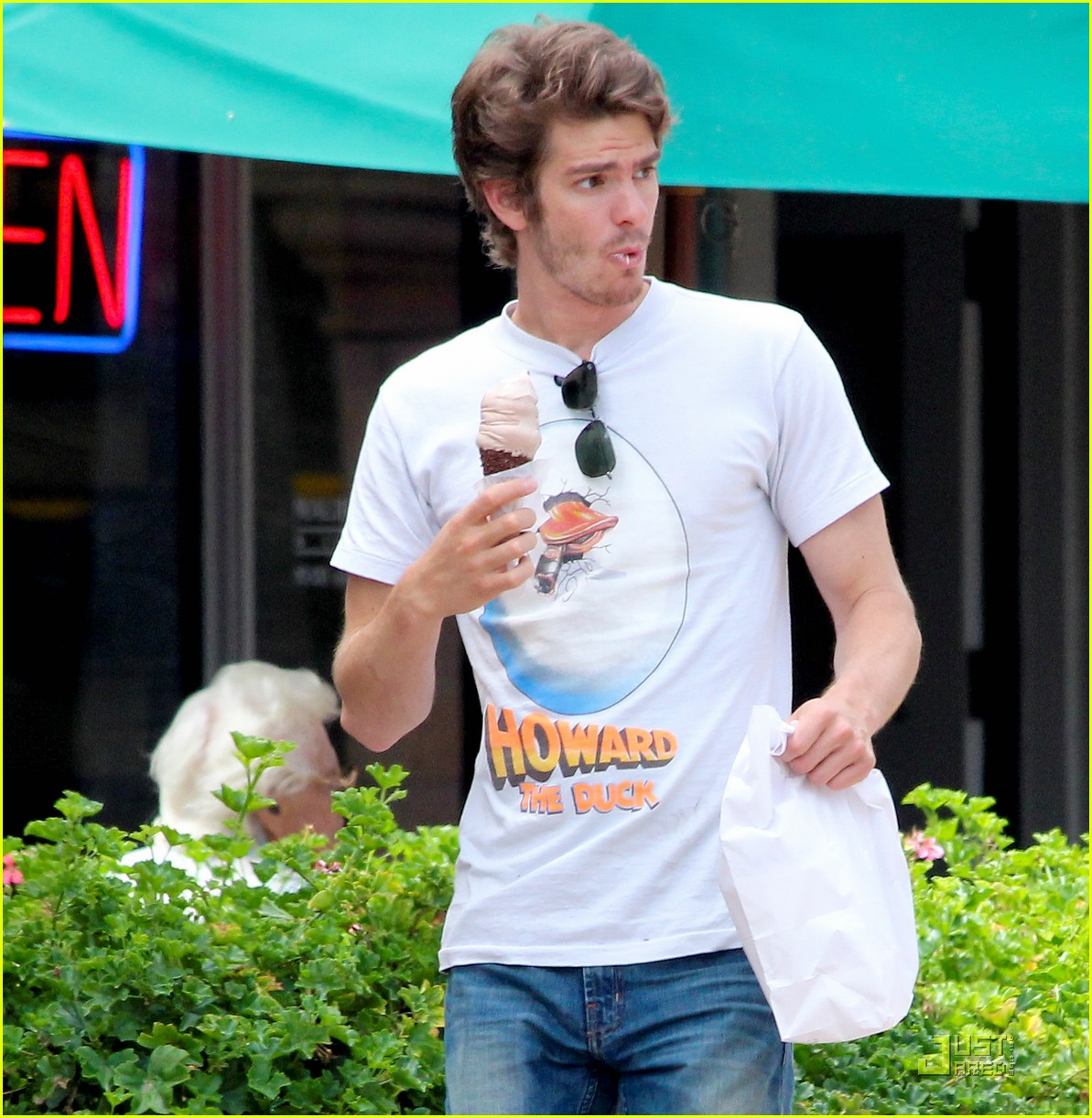 andrew garfield ice cream 01