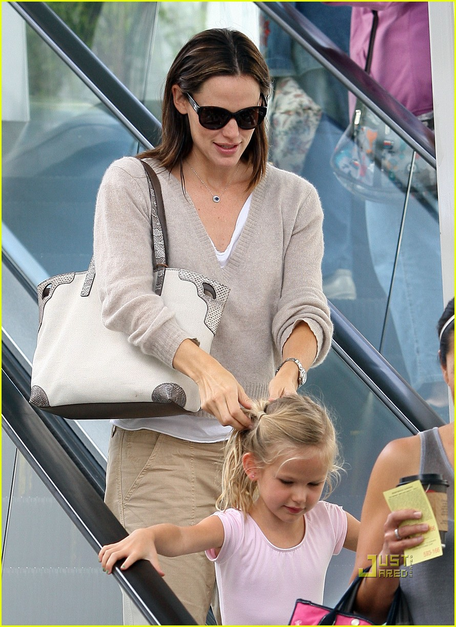 jennifer garner violet ballet class 08
