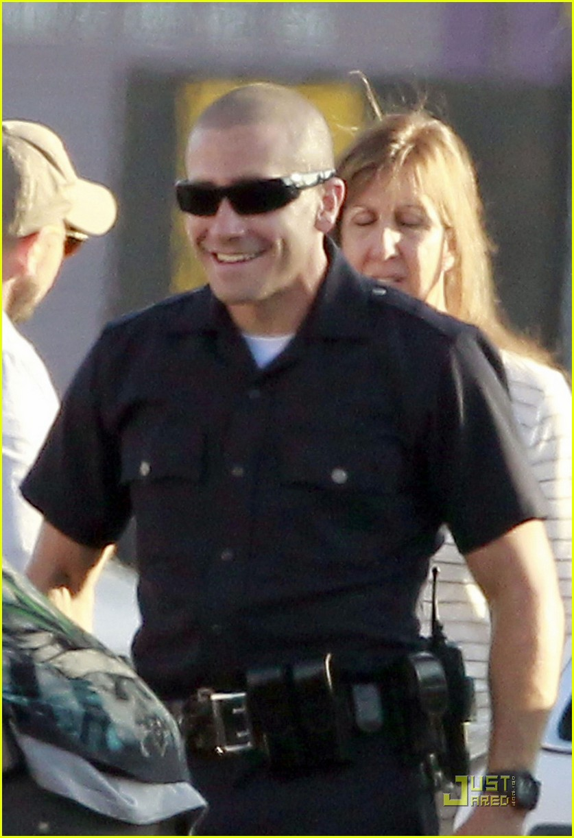 jake gyllenhaal america ferrera on set of end of watch 03