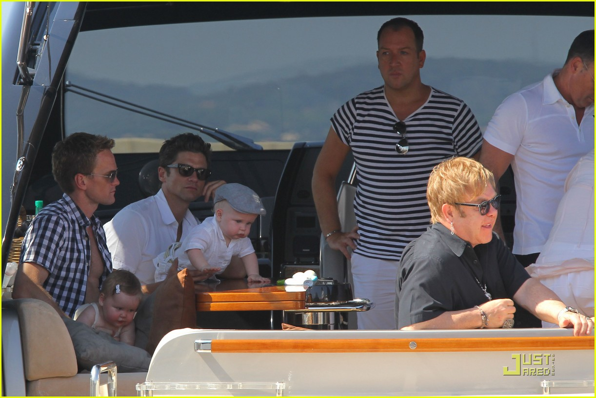 neil patrick harris david burtka vacationing in st tropez 03