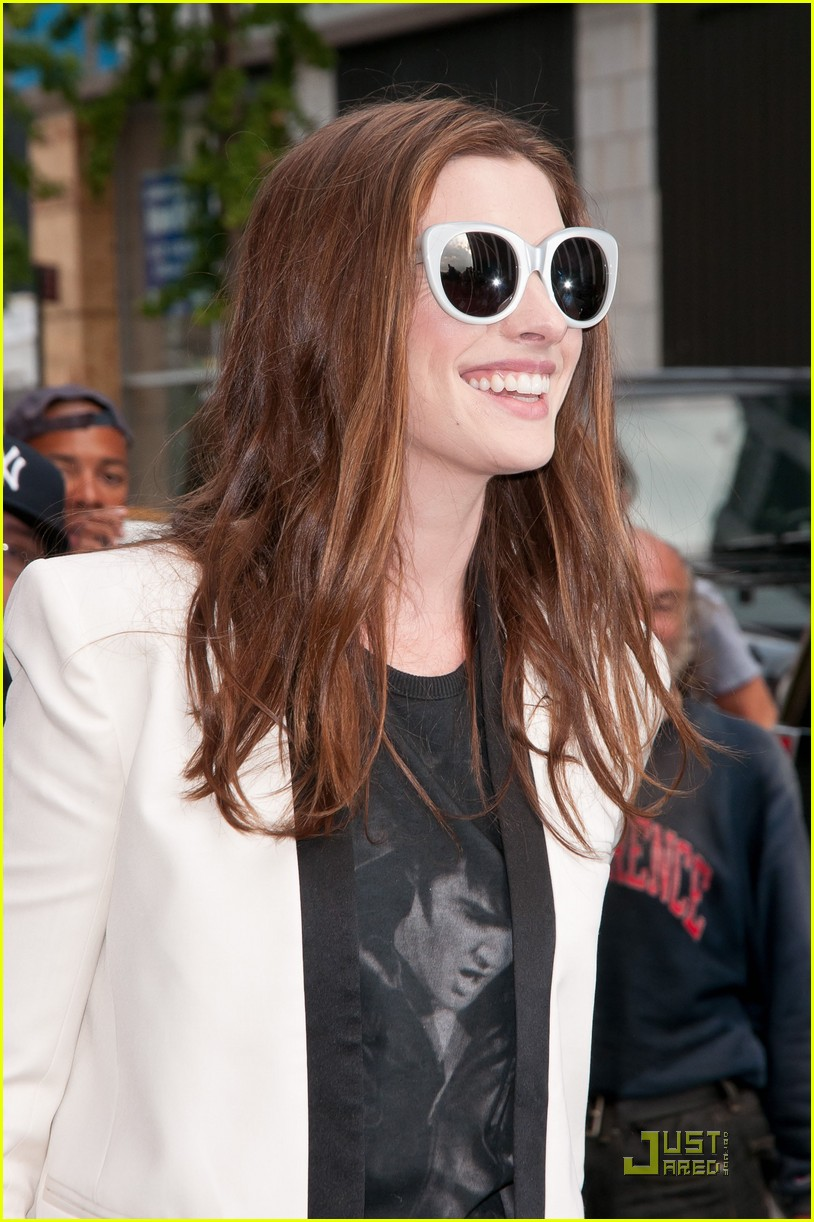 anne hathaway one day in theaters now 06