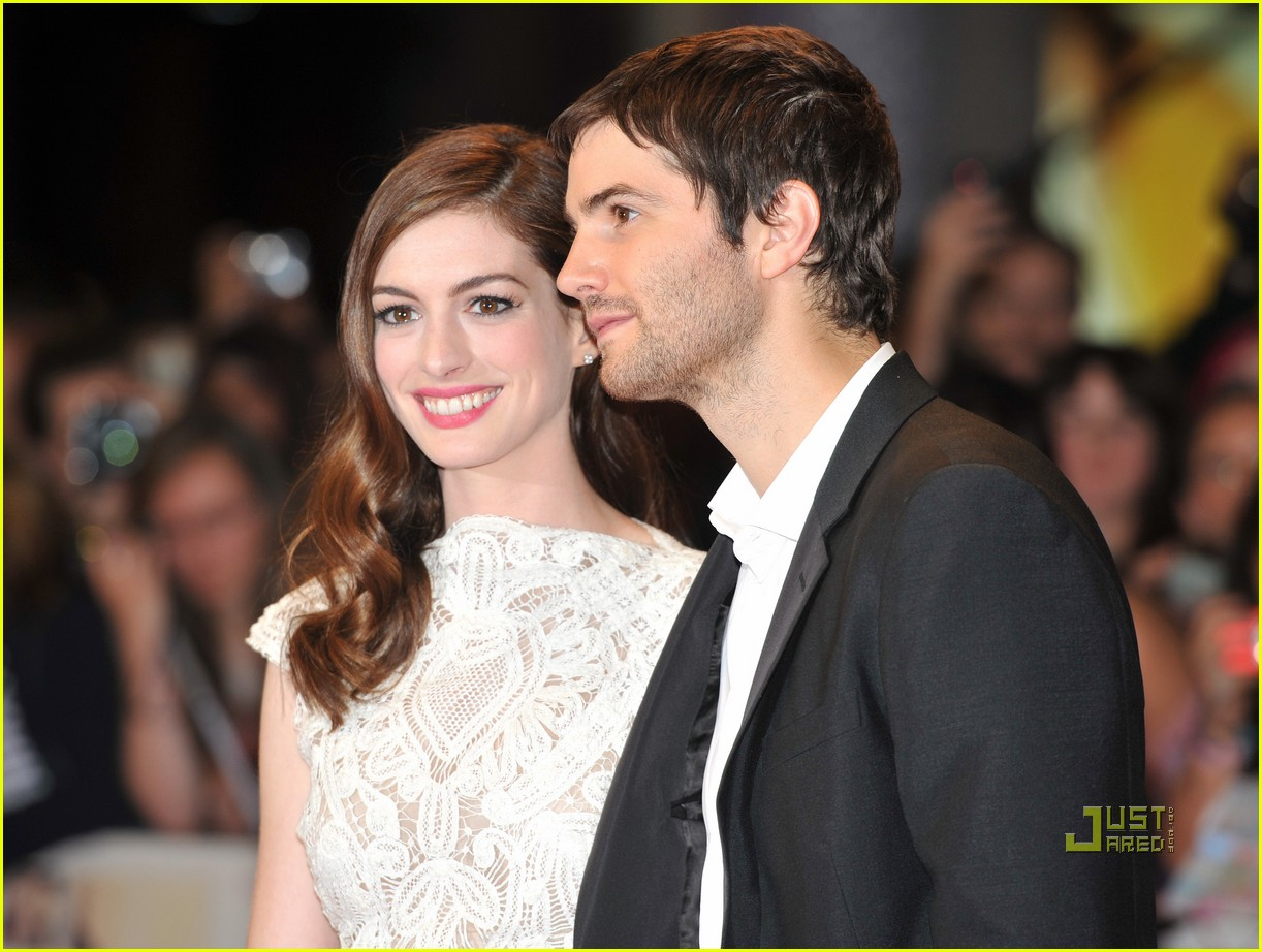 anne hathaway jim sturgess one day london premiere 152572678