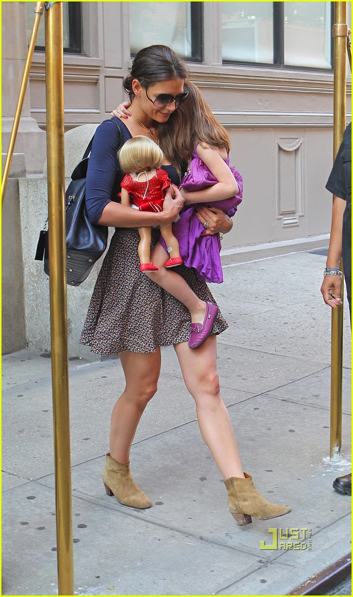 katie holmes suri cruise doll apartment 03