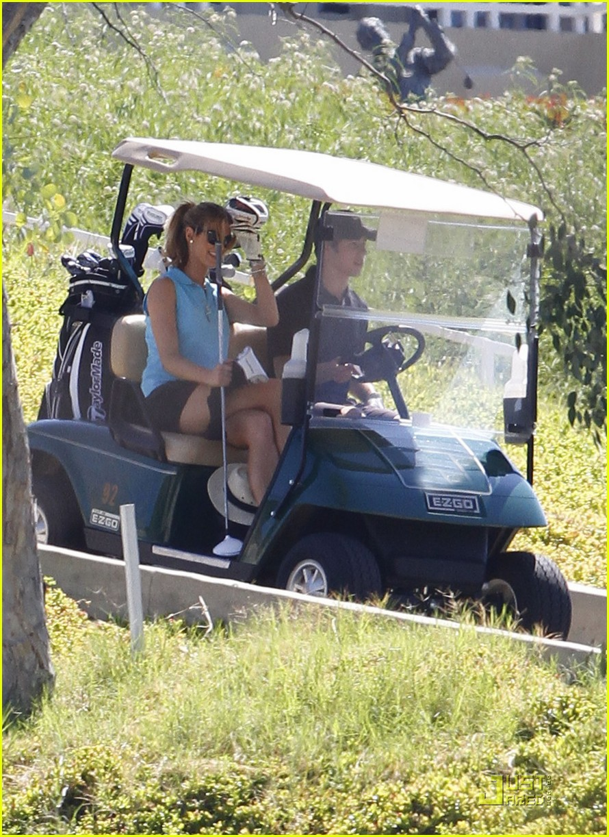 nick jonas delta goodrem go golfing 12