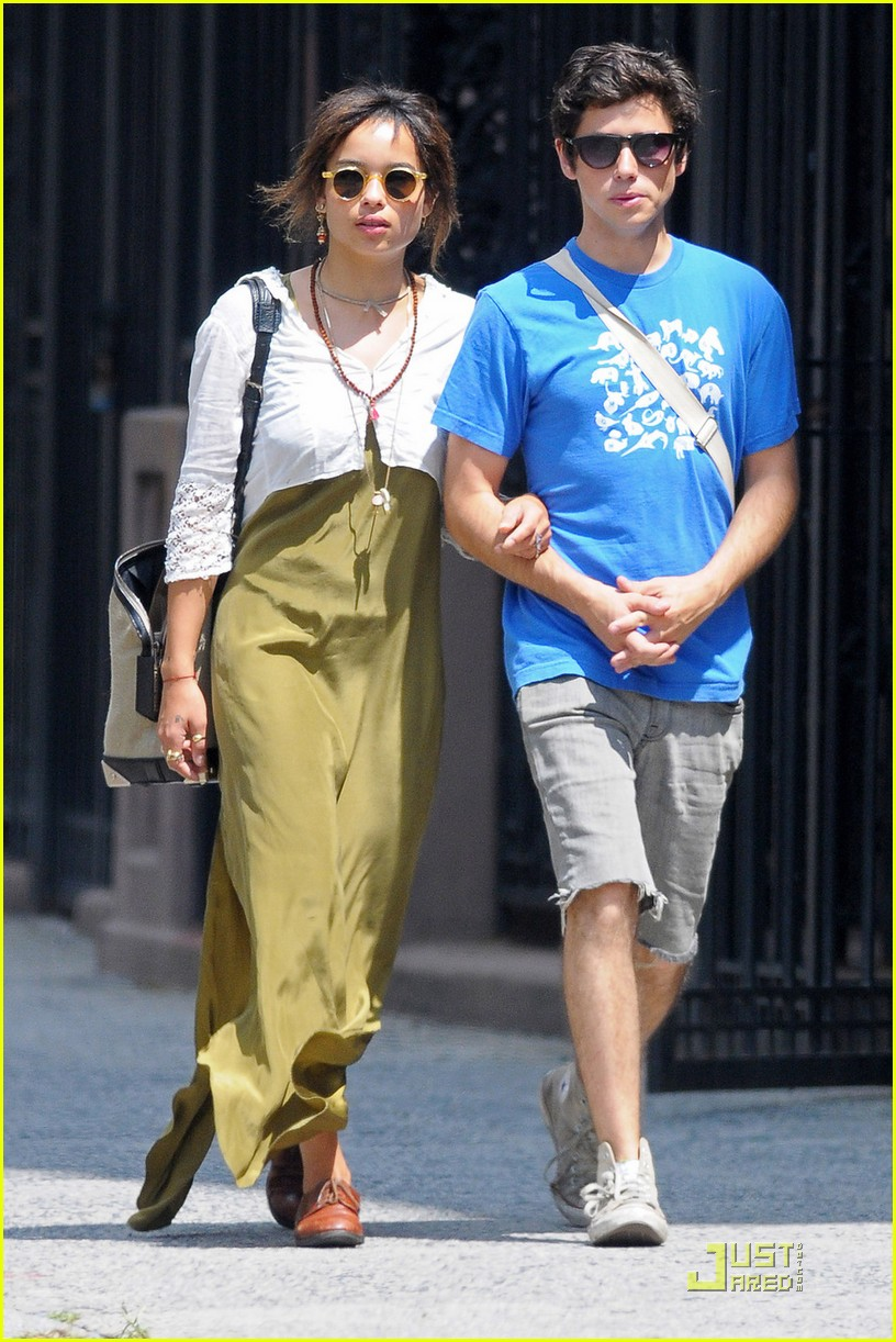 zoe kravitz lunch date with ricky ullman 07