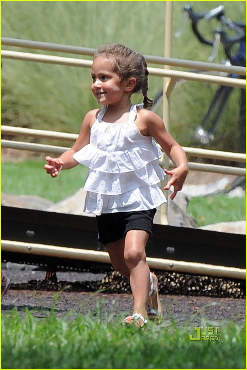jennifer lopez max emme playground atlanta 09