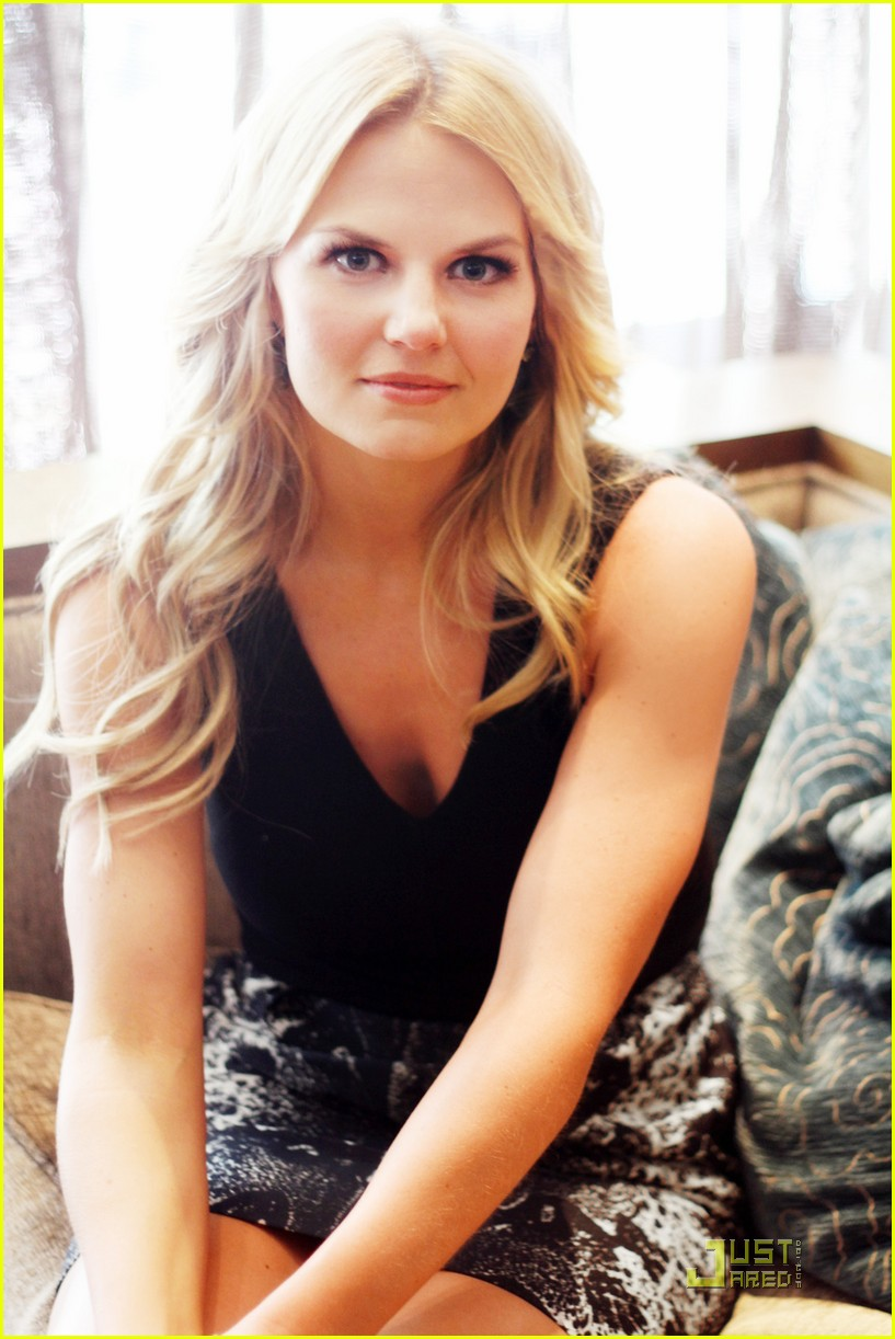 jennifer morrison comic con interview  01