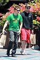 robert pattinson grocery shopping friend 06