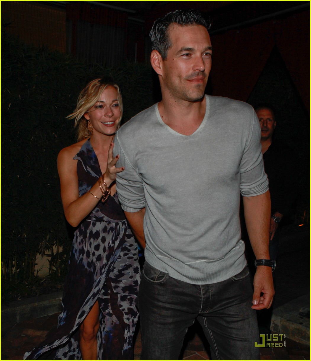 leann rimes birthday dinner 06