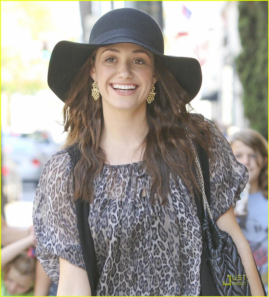 emmy rossum all smiles 05