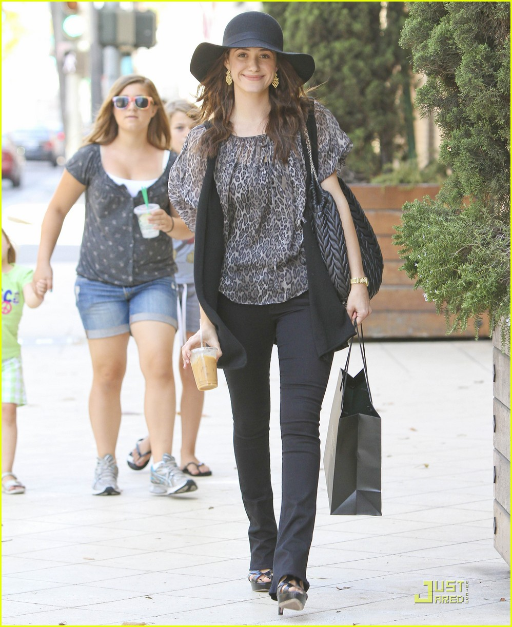 emmy rossum all smiles 11