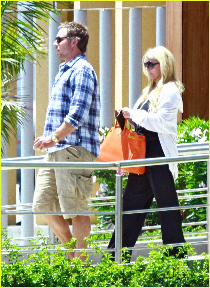 jessica simpson eric johnson jet la 052573301