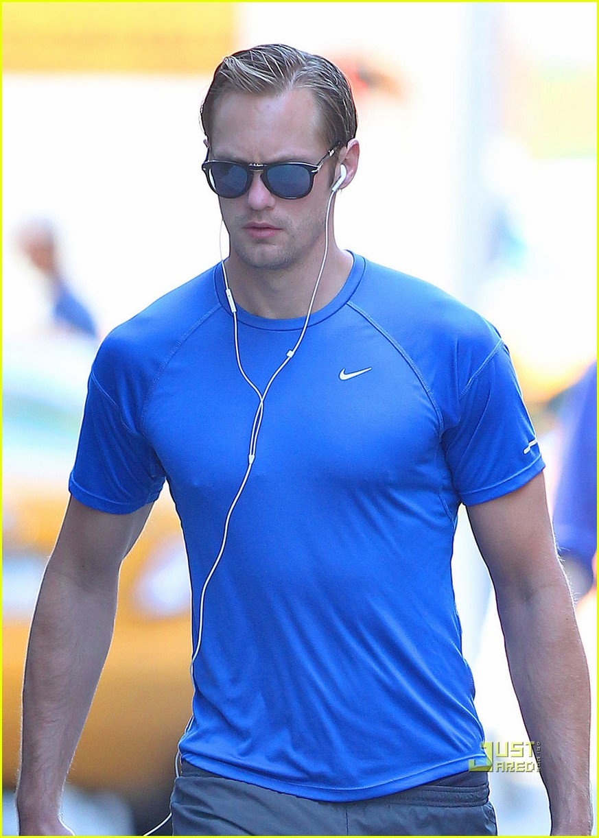 alexander skarsgard gym blue shirt 032572625