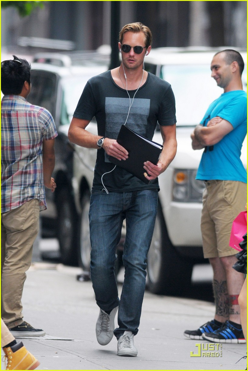 alexander skarsgard repeat outfit offender 012568110
