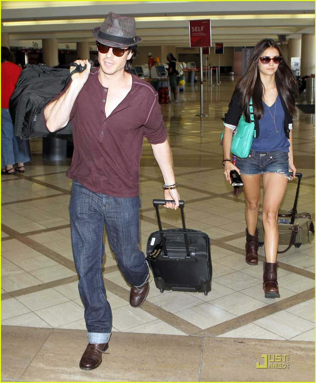 nina dobrev ian somerhalder lax 04
