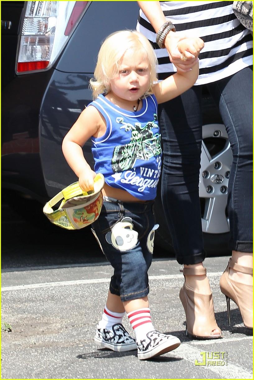 Gwen Stefani Launching Children's Line at Target: Photo ...