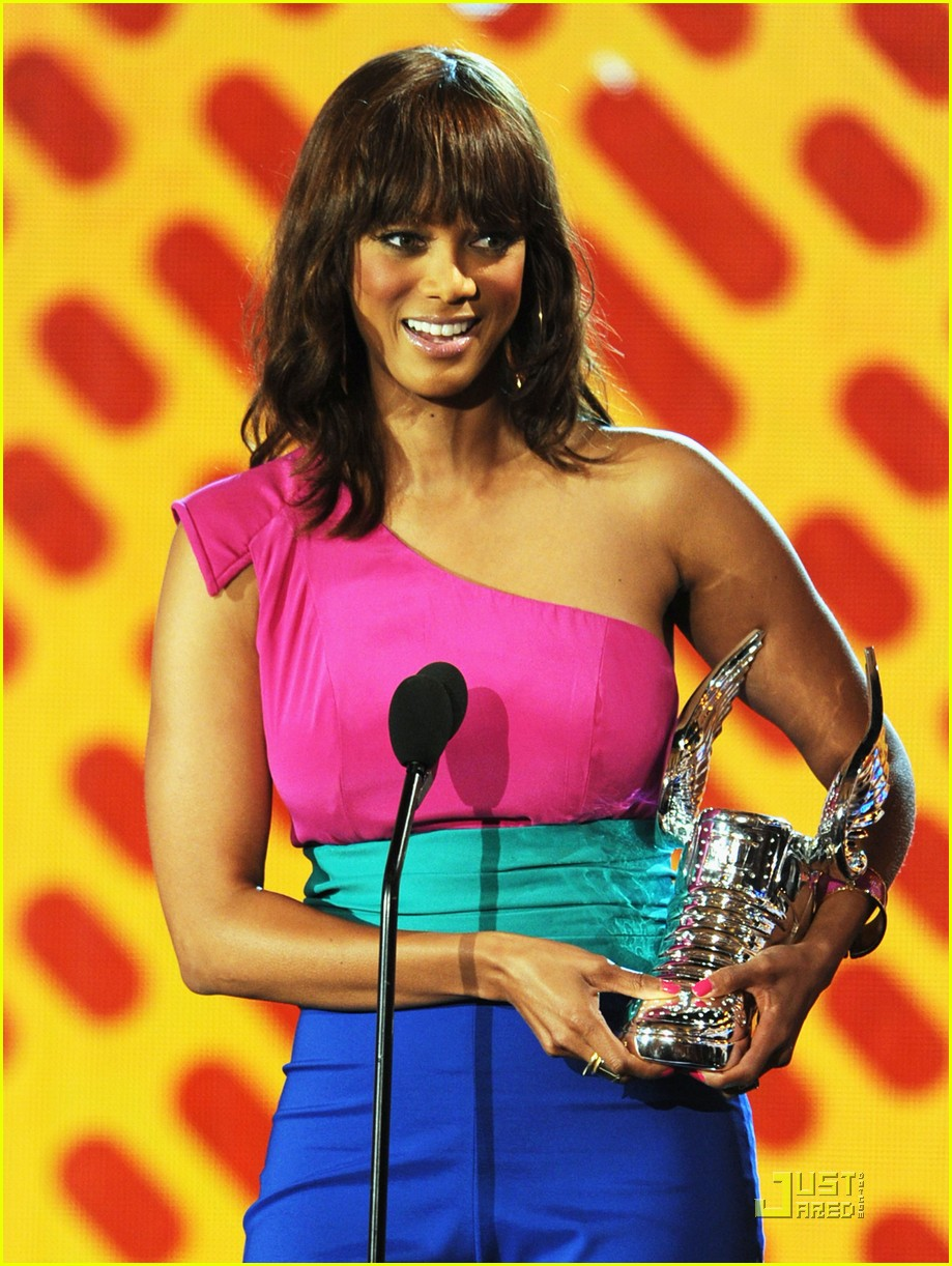 tyra banks do something awards 2011 07