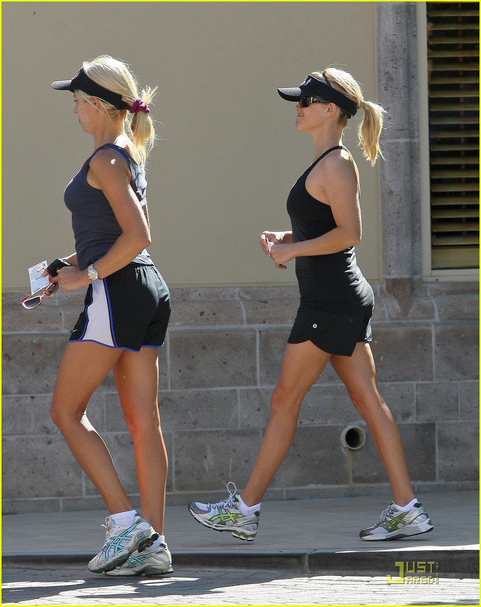 Full Sized Photo of taylor swift and reese witherspoon lunch date 13 ...